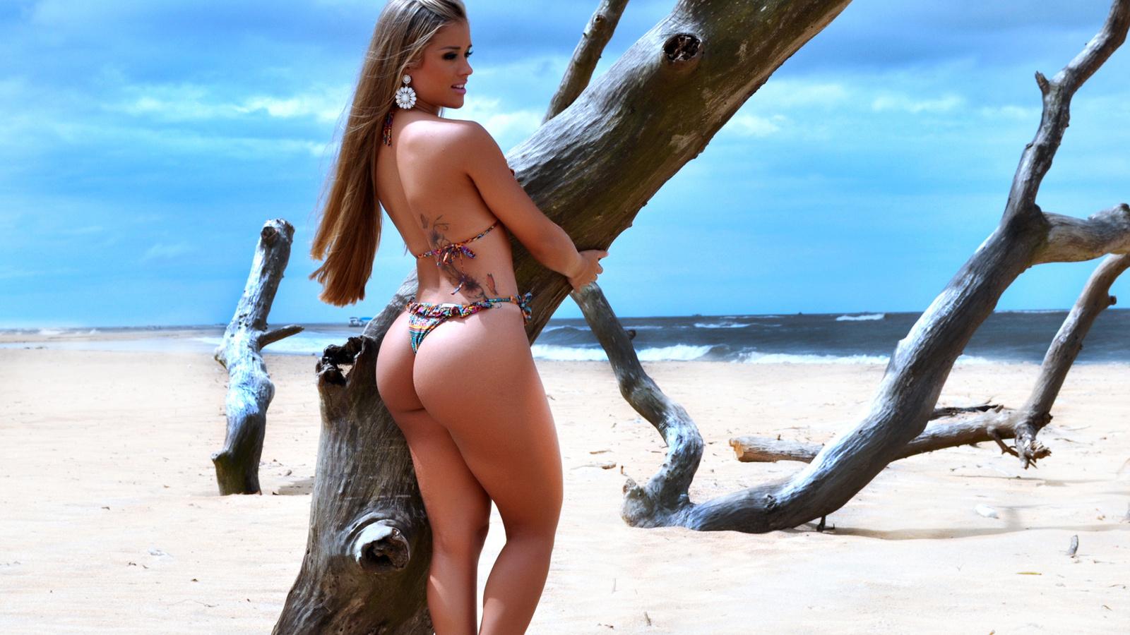 Сексуальные стринги на телах красивых телок фото 435-579