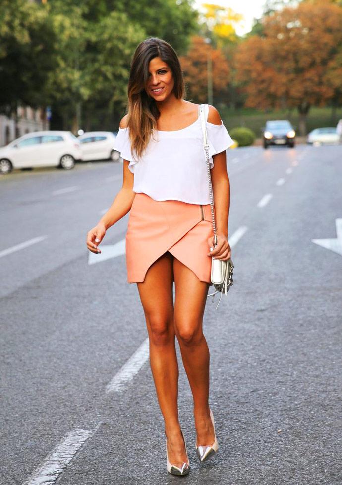 Девушка короткими юбками — pic 5